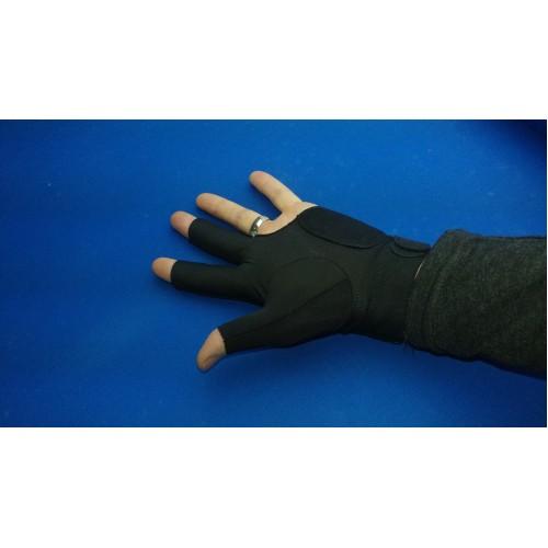 Venom Billiard Glove On, Back